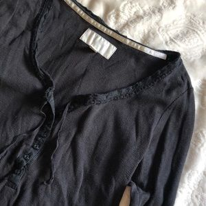 American Eagle black button long sleeve thermal